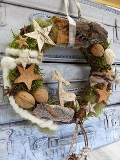 * Enjoy this beautiful natural wreath with the birch elk and listen to the chimes … * As a door wreath or for your favorite p Christmas Love, Winter Christmas, Christmas Crafts, Xmas Wreaths, Rustic Wreaths, Christmas Wonderland, Theme Noel, Arte Floral, Xmas Decorations
