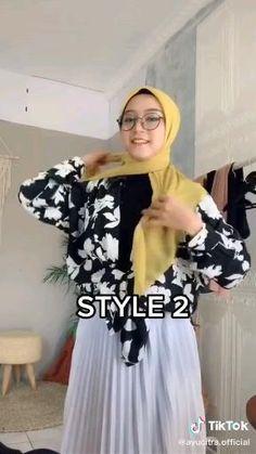 Simple Hijab Tutorial, Hijab Style Tutorial, Hijab Style Dress, Modest Fashion Hijab, Arab Fashion, Muslim Fashion, Pashmina Hijab Tutorial, Mode Turban, Stylish Hijab