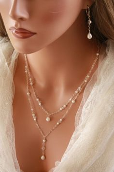 BACK DROP NECKLACE Double Stranded Chain Design with Pearl and Crystal Accents so much the ear rings but like the necklace. Back Jewelry, Pearl Jewelry, Wire Jewelry, Beaded Jewelry, Jewelery, Handmade Jewelry, Jewelry Necklaces, Beaded Necklace, Bracelets