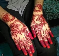 Rajasthani Flower Mehndi Designs For Hands Step By Step. rajhastani mehndi designs are very famous everywhere and this is the best rajhastani flower mehndi design design for hands and this is the perfect bridal mehndi design ever. #Rajasthani_Mehndi_Designs #simple_mehndi_design #mehndi_ki_design #mehndi_designs_for_hands