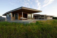 Bluff House by Maryann Thompson Architects