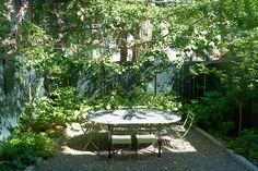 jen-catto-brooklyn-townhouse-backyard-garden-douglas-lyle-thompson.jpg (1296×864)