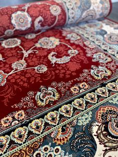 Traditional Area Rugs, Modern Traditional, Classic Rugs, Border Design, Red Rugs, Iranian, Shades Of Red, Fringes, Main Colors
