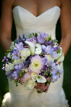 Lovely lavender... along with some freesia, a dahlia or two, white roses and callas.