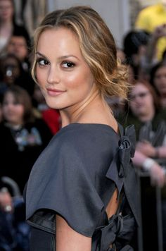 - Photo - Celebrating Leighton Meester's birthday, we've taken a look back at the Gossip Girl star's best hairstyle, make-up and beauty looks worthy of Blair Waldorf Leighton Meester Hair, Leighton Marissa Meester, Gossip Girl Cast, Gossip Girls, Gossip Girl Outfits, Girl Celebrities, Celebs, Remy Hair Extensions, Blonde Highlights