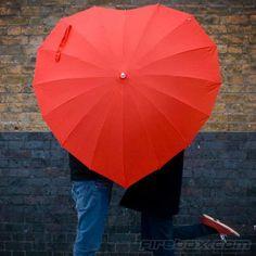 Guarda-chuva coração! Para casais, solteiros e apaixonados.