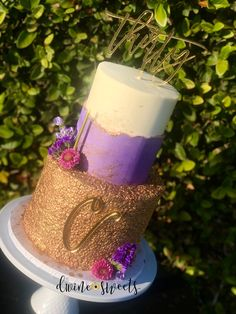 Loving this fault line cake combined with gold sequins and fresh florals! Two Tier Cake, Gold Sequins, Tiered Cakes, Purple Gold, Pillar Candles, Florals, Fresh, Double Barrel Cake, Flowers