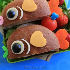 Fish Sammies for Boy's Day and a Lion Sammy too! Cute Snacks, Cute Food, Good Food, Yummy Food, Food Art For Kids, Cooking With Kids, Toddler Meals, Kids Meals, Fish Sandwich