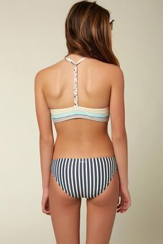 O'Neill Kids Cruz Girls Bikini is a colorful stripe girlsbikini with a high neck top for asporty fit. Features a T strap at the back and removable bra cups for sizes 10-14. Made of 85% polyamide and 15% elastane, rinse and hang to dry. Cute Girl Bikini, Bikini Girls, Little Girl Leggings, Girls Leggings, Mini Bikini, Bikini Tops, Crop Top Designs, Young Girl Fashion, Baby Girl Dress Patterns