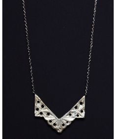 Silver Art Deco V Necklace With Diamond