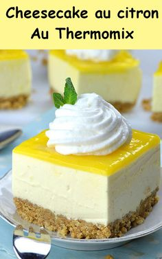 No-Bake Lemon Cheesecake! 60 Lemon Cheesecake Inspirational Pictures and Lemon Cheesecake Recipe No-Bake Lemon Cheesecake! A Delicious, Sweet and Easy No-Bake Lemon Cheesecake! Summer Dessert Recipes, Easy No Bake Desserts, Lemon Desserts, Low Carb Desserts, Recipes Dinner, Dessert Thermomix, Thermomix Cheesecake, No Bake Lemon Cheesecake, Cheesecake Mix