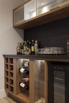 120 wine cellar models that will convince you to build one in your home - Tua Casa - 120 wine cellar models that will convince you to build one in your home – Tua Casa - Home Wet Bar, Diy Home Bar, Modern Home Bar, Bars For Home, Basement Bar Designs, Home Bar Designs, Mini Bars, Bar Lounge, Barra Bar