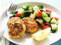Kippenburgers met komkommersalade (Libelle Lekker!)
