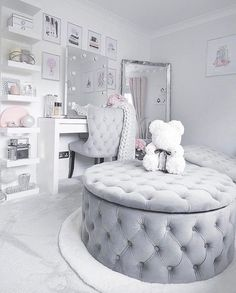 Top Beautiful Teen Room Decor For Girls - Decor Teen Bedroom Designs, Bedroom Decor For Teen Girls, Cute Bedroom Ideas, Cute Room Decor, Room Ideas Bedroom, Teen Room Decor, Twin Girl Bedrooms, Blue Bedrooms, Makeup Room Decor
