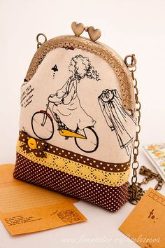 adorable glass case or coin purse Fabric Wallet, Fabric Bags, Lace Bag, Frame Purse, Bag Patterns To Sew, Patchwork Bags, Beaded Purses, Mini Purse, Cloth Bags