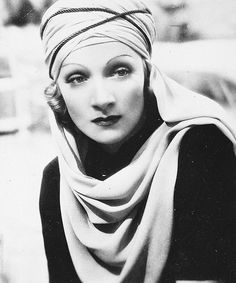 Marlene Dietrich - The Garden Of Allah Hollywood Divas, Old Hollywood Glam, Old Hollywood Movies, Hollywood Fashion, Hollywood Actor, Golden Age Of Hollywood, Classic Hollywood, Hollywood Style, Marlene Dietrich
