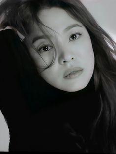 Lorraine, Song Hye Kyo Style, Songsong Couple, Song Joong Ki, Conceptual Photography, Korean Actresses, The Girl Who, Korean Drama, Asian Beauty