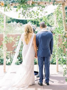 Pretty Denver Botanic Gardens Wedding – Decorus Fine Art Photography 24  Insert gorgeous flora in every scene of your wedding by getting married in a botanic garden!  #bridalmusings #bmloves #wedding #ido #bride #groom #floral #botanicgarden #garden #flowers Wedding Chuppah, Wedding Ceremony, Wedding Show, Post Wedding, Dream Wedding Dresses, Wedding Gowns, Denver Botanic Gardens, Bridal Musings, Blush And Gold