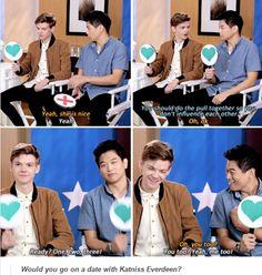 "| Thomas Brodie-Sangster and Ki Hong Lee playing ""Tumblr yes or no?"" |"