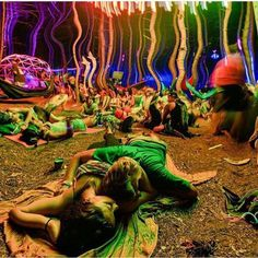 Psychedelic Peace: trippy, acid, and lsd image Tame Impala, Janis Joplin, Aesthetic Photo, Aesthetic Pictures, Bad Trip, Woodstock, Trippy Pictures, Hippie Art, Diana Ross