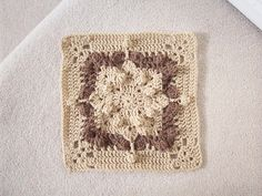 """Day 13: 12"""" Block of the Day - Popcorn Delight by Aurora Suominen  Free Pattern: http://myblueangels.blogspot.com/2010/04/popcorn-delight-12-square.html"""
