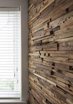 Wandbekleding van hout - wand-plafond - woonkamer - Wonen.nl Wood Panel Walls, Wood Paneling, Lunch Room, Cladding, Wood Crafts, Home Goods, Pergola, Shed, New Homes