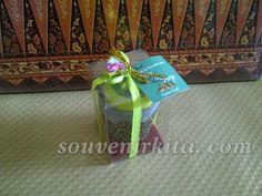 Souvenir pernikahan Towel Es Krim. Unik dan istimewa. Harga juga terjangkau. Yang mau order bisa WA 0813 9253 4347