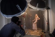 Homage to Hollywood: Chris Knight shoots cinematic portraits with the Profoto - Profoto Studio Lighting Setups, Photography Lighting Setup, Portrait Lighting, Portrait Poses, Studio Portraits, Light Photography, Portrait Ideas, Cinematic Photography, Photoshop Photography