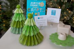 This Christmas tree is very easy to make with our Martha Stewart Crafts Circle Edge Punch.