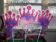 Resultado de imagen para - sillitas decoradas para cumpleaños de  princesas