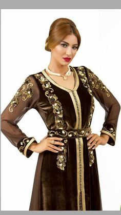 Hijab Fashion, Fashion Outfits, Womens Fashion, Moroccan Caftan, Midi Dress With Sleeves, Ao Dai, Classy Outfits, Traditional Outfits, Clothes