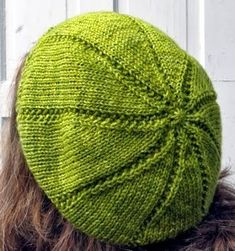This funky fresh knit hat pattern is a spring wardrobe essential. The Slice of Life Hat is a fun burst of bright green knit in segments, much like a lime wedge. Slightly slouchy, this beanie is the perfect thickness to keep you warm yet ventilated. Knitting Blogs, Loom Knitting, Knitting Stitches, Knitting Patterns Free, Free Knitting, Free Pattern, Beginner Knitting, Hat Patterns, Knitting Needles