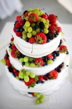 healthy cake! I love fruit, this is such a good Idea, I bet I could even make this.