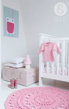 Woonblog-babykamer-01 mooie kleuren babykamer meisje. Nursery baby girl.