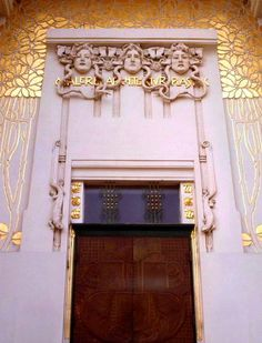 Chapter 20 - Vienna Secession . Front detail of the Vienna Secession Building. Josef Maria Olbrich