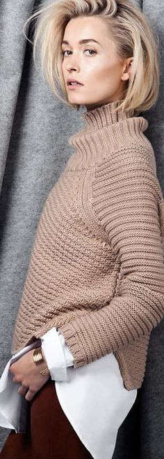 Mason by Michelle Mason Turtleneck. Top-down Raglan. Classic shaping, increases/decreases every 2 rows.