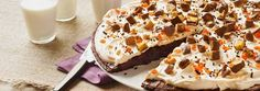 Find your go-to dessert recipe with My Food and Family. From dessert bars and brownies, to pies and cakes, these dessert recipes will be hard to turn down! Slow Cooker Recipes Dessert, Sweets Recipes, Easy Desserts, Mexican Food Recipes, Delicious Desserts, Crockpot Recipes, Heavenly Dessert Recipe, Blueberry Crumble Bars, Bread Pudding With Apples