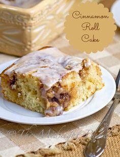 Cinnamon Roll Cake   bakeatmidnite.com   #CinnamonRollCake #CoffeeCakes #EasyCinnamonRolls