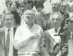 Look how young they all were. Benjamin Netanyahu, Ed Koch & Shimon Perez Prayer Partner, Visit Israel, Benjamin Netanyahu, Jewish History, People Of Interest, Jesus Lives, Important People, Praise The Lords, Holy Land