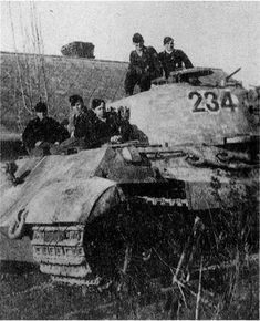 A King Tiger with it's crew posing topside while serving in Hungary during the early part of 1945 Tiger Ii, Tank Armor, Tiger Tank, Ww2 Tanks, Battle Tank, World Of Tanks, Armored Vehicles, Military History, Tigers