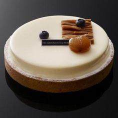 Des Gâteaux et du Pain - Mont-Blanc cassis - Pâte sablée / grains de cassis éclatés et morceaux de marrons glacés / meringue croustillante / chantilly et pâte de marron