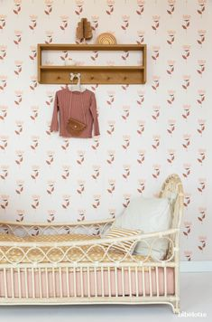 Meisjeskamer - Apocalypse Now And Then Junior Bed, Ikea Hacks, Bedroom Furniture Design, Toddler Rooms, Big Girl Rooms, Nursery Neutral, Nursery Room, Girls Bedroom, Decoration