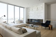 6 Home Decor Ideas By Catherine Kwong That You Will Want To Copy | Interior Design Inspiration. Living Room Design. #homedecor #interiordesign #livingroomideas Find more inspiration at: http://www.brabbu.com/en/inspiration-and-ideas/interior-design/home-decor-ideas-catherine-kwong-want-copy