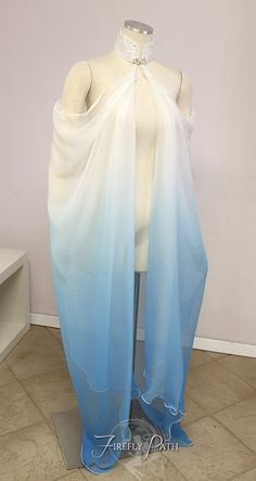 Elven Capes on Etsy Pretty Outfits, Cool Outfits, Fashion Outfits, Nice Dresses, Prom Dresses, Fantasy Gowns, Strapless Tops, White Ombre, Fairy Dress