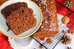 To idealna propozycja na świąteczne ciasto, które można przygotować na ostatnią chwilę lub nawet kilka dni wcześniej, ponieważ idealnie się przechowuję nic nie tracąc na swojej świeżości! Piernik jest wilgotny, miękki oraz posiada intensywny aromat, który kusi już podczas pieczenia!