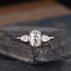 Engagement Ring Rose Gold, Three Stone Engagement Rings, Morganite Engagement, Diamond Wedding Rings, Vintage Engagement Rings, Halo Engagement, Wedding Bands, Wedding Dress, Ring Verlobung