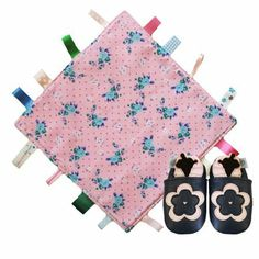 German Store, Amazon Fr, Blue Flowers, Blue Nails, Navy Color, Bed Covers, Leather, Zapatos, Colors