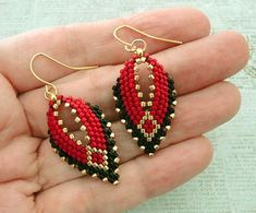 "Beaded earrings 342344009172593696 - seed beads Miyuki ""Duracoat Gold"" Miyuki Delica beads ""Duracoat Gold"" Miyuki Delica beads ""Opaque Black"" … Source by Seed Bead Jewelry, Bead Jewellery, Seed Bead Earrings, Leaf Earrings, Seed Beads, Cross Earrings, Hoop Earrings, Diy Jewelry, Diamond Jewelry"