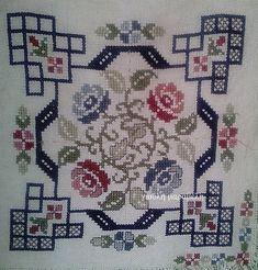 Καμβάδες απο 6 ευρώ το μέτρο. Εταμίν 0.50Χ1.80=9.50 ευρώ. Μουλινέ DMC ΑΠΟ 0.85 Γιούλη Μαραβέλη-Χαλκίδα. Τηλ:22210 74152. Cross Stitch Cushion, Cross Stitch Art, Cross Stitch Borders, Cross Stitch Flowers, Modern Cross Stitch, Cross Stitching, Cross Stitch Embroidery, Embroidery Patterns, Hand Embroidery