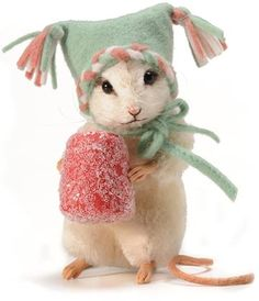 Sugar, The 2011 Christmas Mouse. Doll not dead mouse dressed up. Needle Felted Animals, Felt Animals, Cute Animals, Wet Felting, Needle Felting, Stuffed Animals, Hamster, Felt Mouse, Cute Mouse